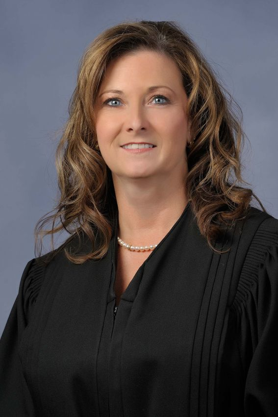 Judge Elizabeth Lehigh Thomakos